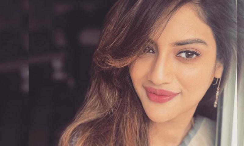 رکن پارلیمنٹ بنتے ہی بھارتی اداکارہ نصرت جہاں نے منگنی کرلی