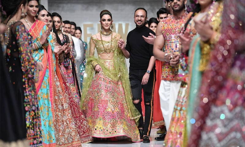 Nomi Ansari showcases a bridal-wear line with mirrors at the spring/summer edition of Fashion Pakistan Week '19 | Faisal Farooqui @ Dragonfly