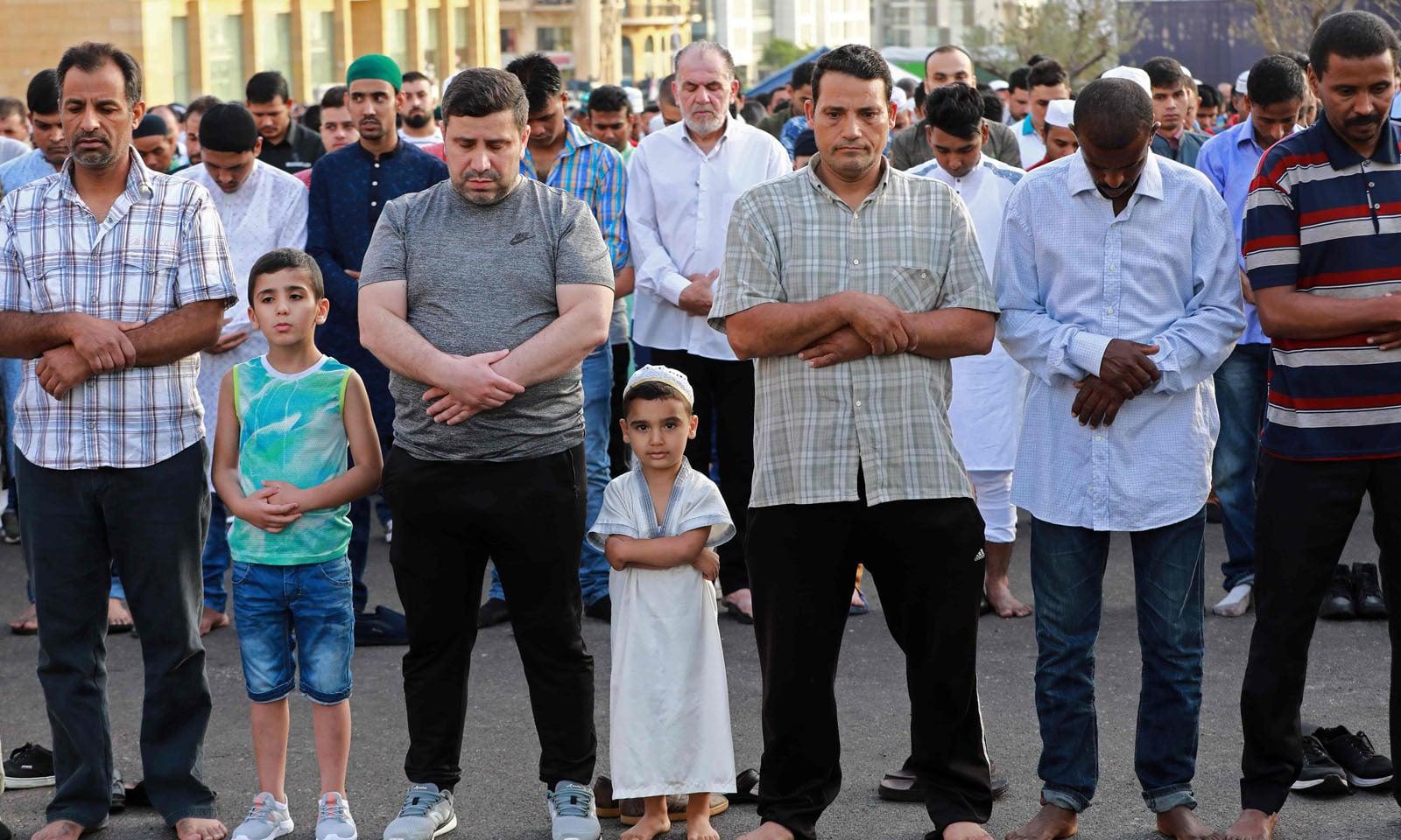 لبنان میں امت مسلمہ نے نماز عید ادا کی —فوٹو/اے ایف پی