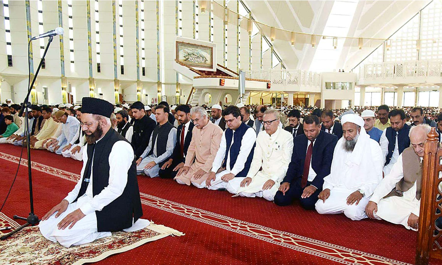 President Arif Alvi offers Eidul Fitr prayer at Faisal Mosque, Islamabad. — APP