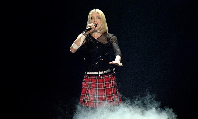 میڈونا اب بھی اسٹیج پر پرفارمنس کرتی ہیں—فوٹو: شٹر اسٹاک