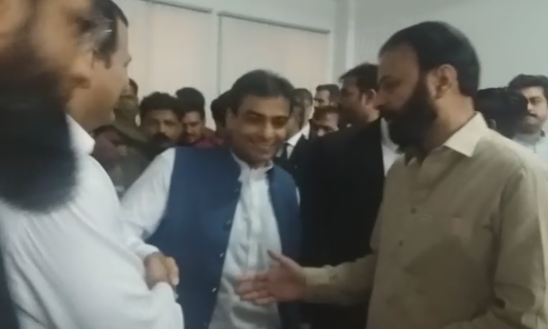 A day after his arrest, the National Accountability Bureau (NAB) on Wednesday brought Leader of the Opposition in the Punjab Assembly Hamza Shahbaz to an accountability court in Lahore, as the bureau seeks physical remand of the PML-N leader. — DawnNewsTV
