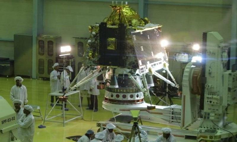 چاند رایان 2 اور اس کے تمام آلات اور مشینیں بھارتی خلائی تحقیقاتی ادارے نے خود تیار کی ہیں—فوٹو: پریس انفارمیشن بیورو، انڈیا