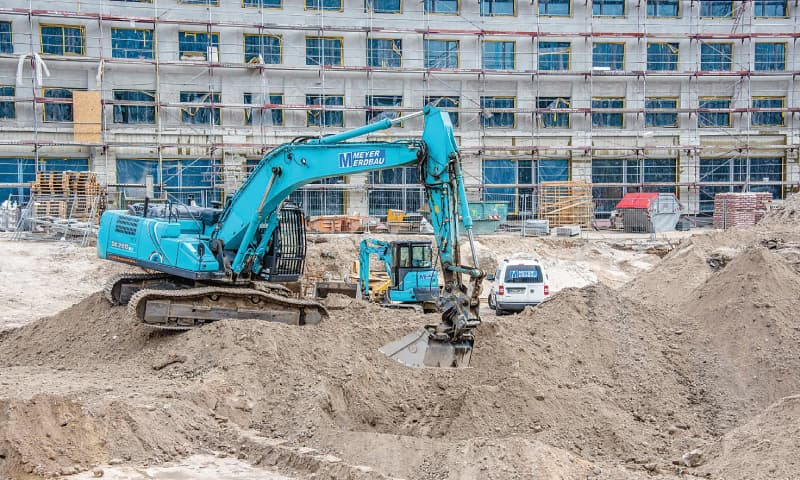 BERLIN: A general view of a construction site where a World War II bomb weighing 100 kilograms was found on Friday.—AFP