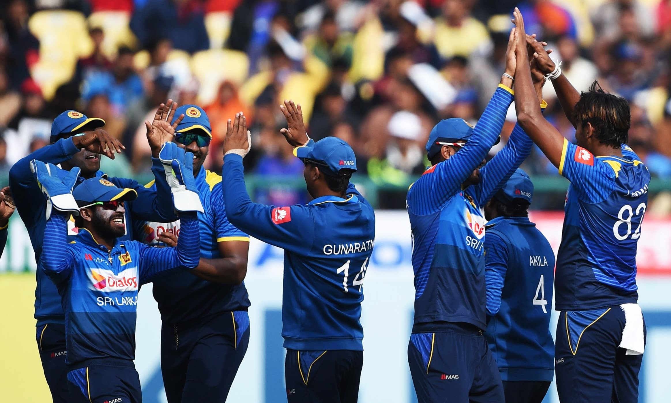 Australia outclass Sri Lanka to go top of Cricket World Cup