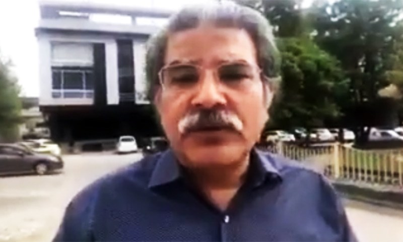 Prime Minister Imran Khan takes notice of the altercation between journalist Sami Ibrahim [pictured] and Minister for Science and Technology Fawad Chaudhry. — SS courtesy of Youtube