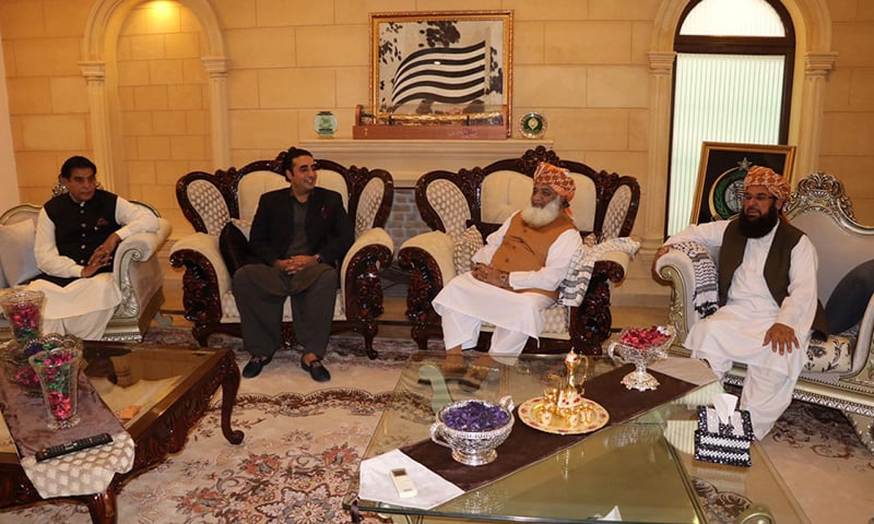 PPP Chairperson Bilawal Bhutto-Zardari meets JUI-F Chief Maulana Fazlur Rehman at his residence. Former prime minister Raja Pervez Ashraf (L) and JUI-F's Maulana Abdul Ghafoor Haideri (R) also attended the meeting. — Photo courtesy: Javed Hussain