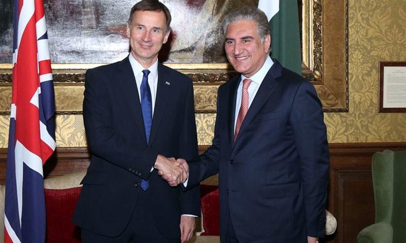 شاہ محمود قریشی نے برطانوی ہم منصب جیریمی ہنٹ سے ملاقات کی—فوٹو:پاکستانی ہائی کمیشن