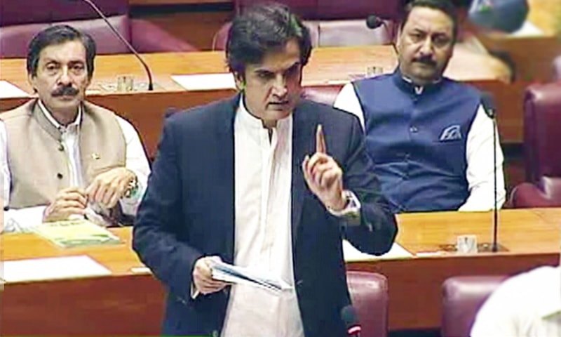 Minister for Planning and Development Khusro Bakhtiar addresses the National Assembly which convened on Sunday to compensate for lost time over the past week. — DawnNewsTV