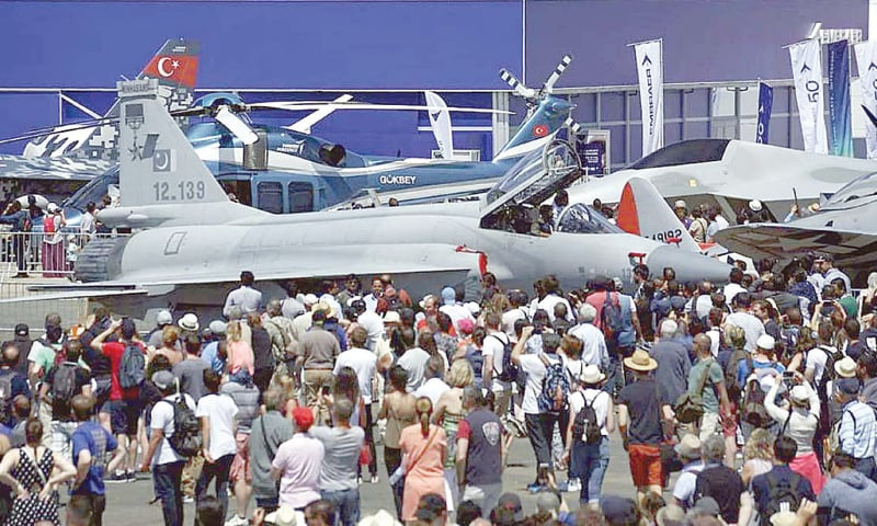 Paris: Spectators gather around JF-17 Thunder fighter jet on the last day of the Paris Air Show.—APP