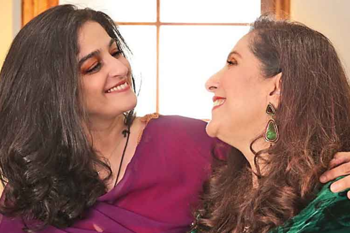Nadia Jamil on Rewind with Samina Peerzada.