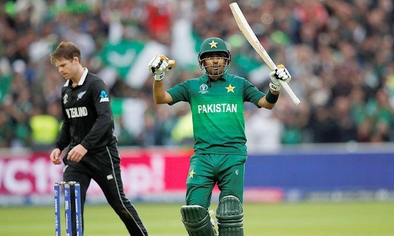 پاکستان کی جانب سے بابر اعظم نے شاندار ناقابل شکست سنچری اسکور کی— فوٹو: رائٹرز
