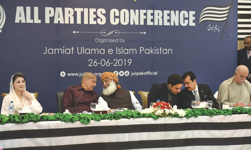 ISLAMABAD: Opposition leaders Maryam Nawaz, Shahbaz Sharif, Maulana Fazlur Rehman, Bilawal Bhutto-Zardari, Yousuf Raza Gillani and Mahmood Khan Achakzai attend a multi-party conference on Wednesday.—Tanveer Shahzad / White Star