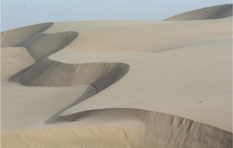 The dunes constantly shift in the white sands of Achhro Thar | Photos by the writer