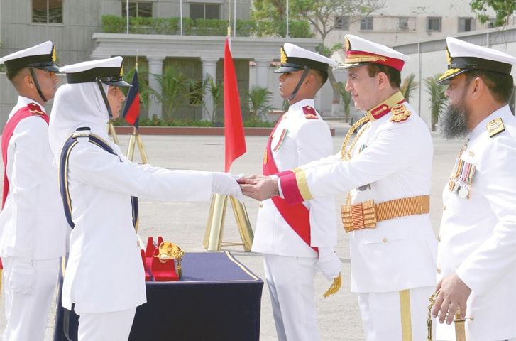 Officer Cadet Manaal Ayesha Aamer from SSC Course receives the Commandant Gold Medal at the 111th Midshipmen and 20th Short Service Commission course commissioning parade.—INP