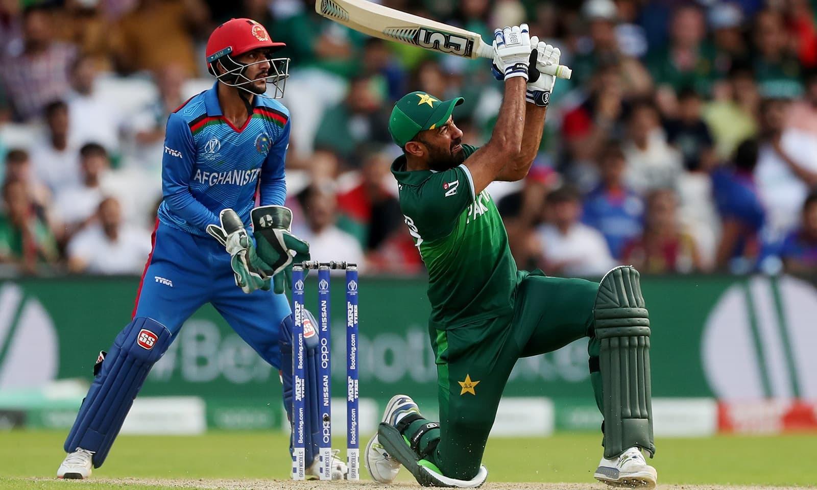 وہاب ریاض کی جارح مزاج اننگز مشکل وقت میں پاکستان کے لیے فائدہ مند ثابت ہوئی — فوٹو: رائٹرز