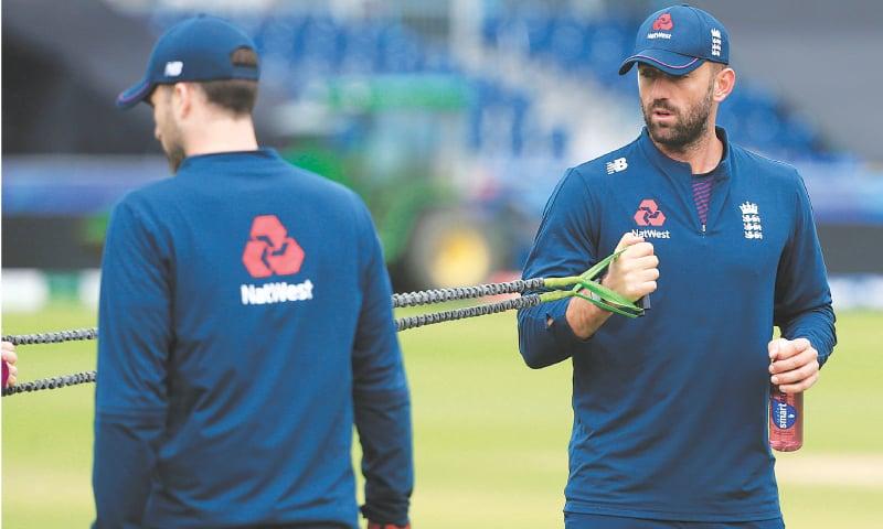 انگلینڈ کے کھلاڑیوں نے بھی منگل کے روز ٹریننگ سیشن میں حصہ لیا—اے ایف پی