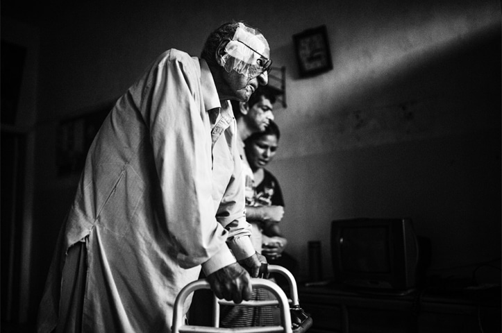Mobility issues restrict activities in old age | Mohammad Ali/White Star