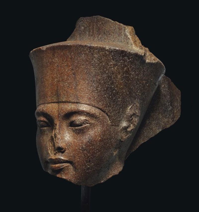 مجسمے کو چوری کرکے برطانیہ منتقل کیا گیا، مصری حکام—فوٹو: کرسٹیز آکشن ہاؤس