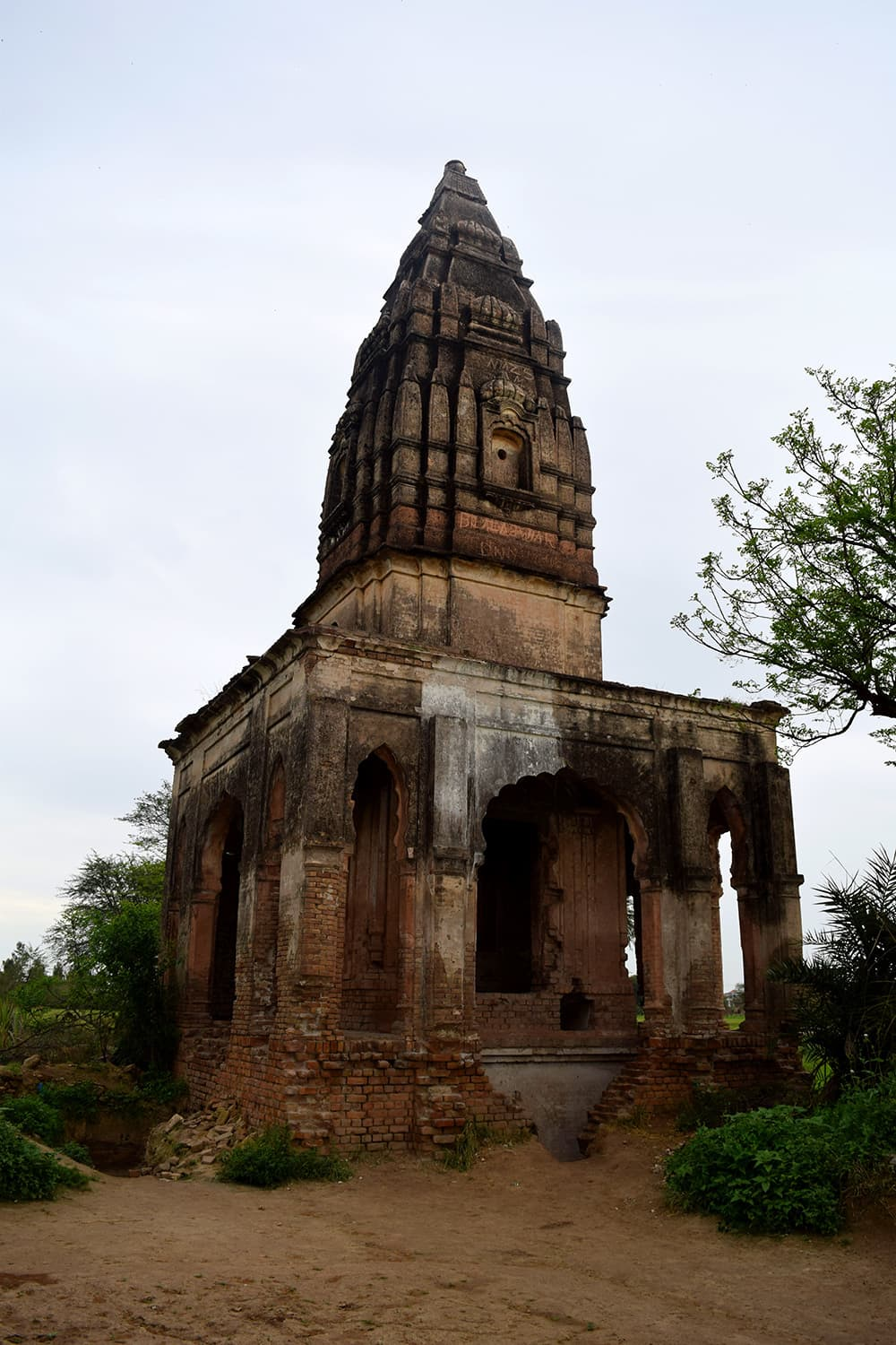 Baoliwala or Chopra Temple.