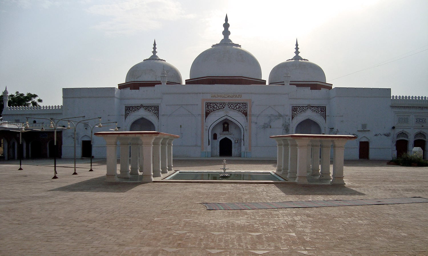 Sher Shah Suri Jamia Mosque, built in the 1540s.