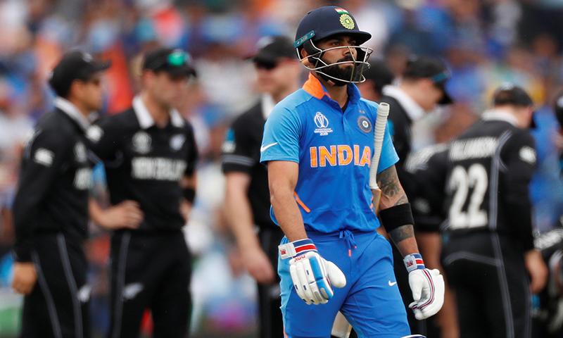 نیوزی لینڈ نے بھارت کو جیت کے لیے 240 رنز کا ہدف دیا تھا۔ — فوٹو: رائٹرز