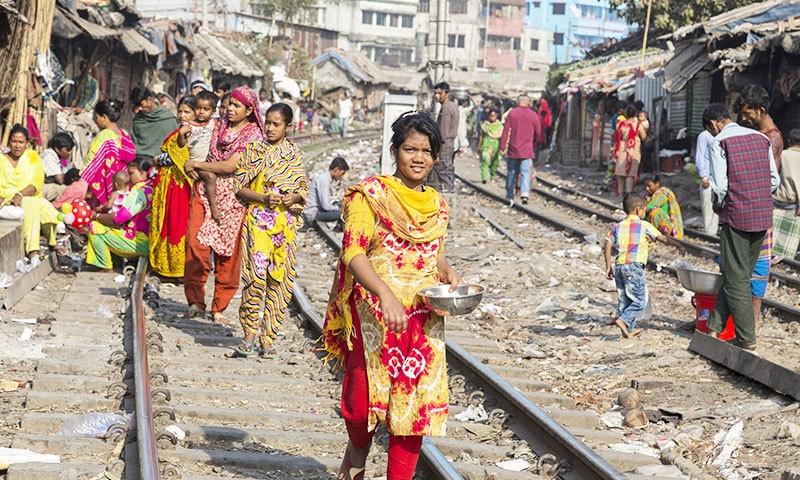 ڈھاکا کا انسانی فضلے کی نکاسی کا مسئلہ سب سے بڑا ہے—فوٹو: شٹر اسٹاک