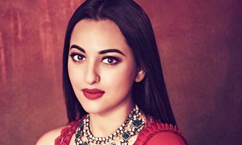 اداکارہ کے ترجمان نے الزامات کو مسترد کردیا—فوٹو: انسٹاگرام