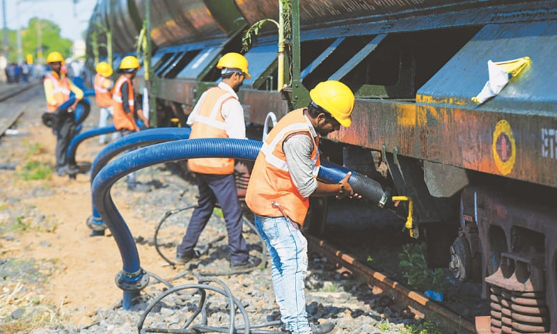 Water train from Vellore arrives in Chennai