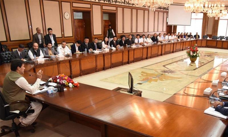 چینی کمپنیوں کے 55 سربراہان اور ایگزیکٹوز پر مشتمل وفد کی وزیراعظم عمران خان کے ساتھ ہونے والی ملاقات—تصویر: حکومت پاکستان
