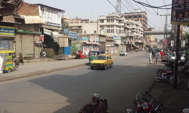 تاجروں کی ہڑتال کے باعث ٹریفک بھی معمول سے کم رہا—تصویر: بشکریہ ٹوئٹر