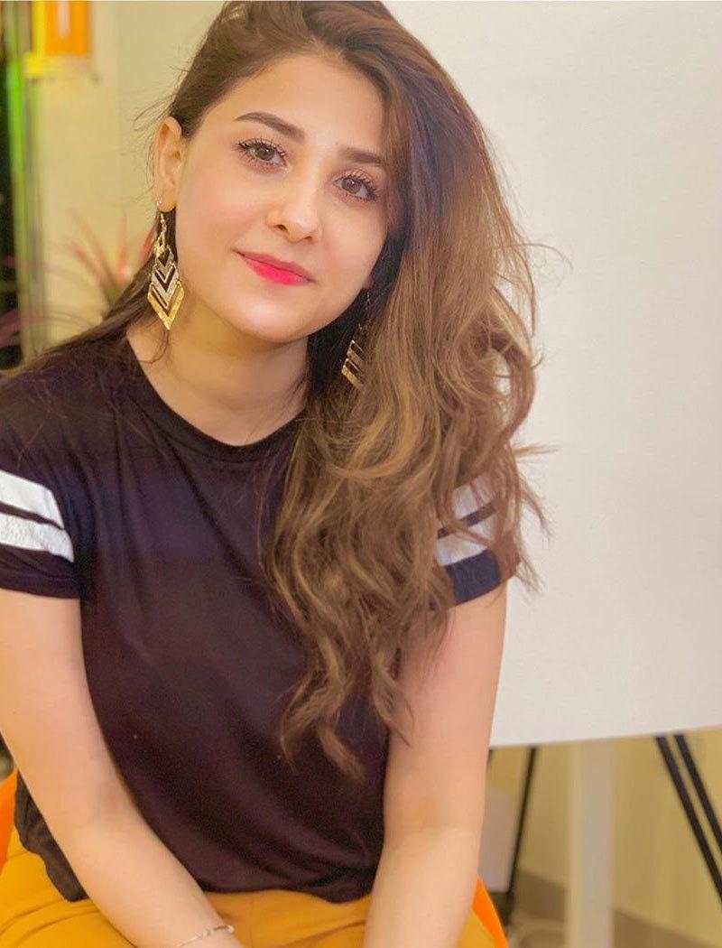 حنا الطاف نے بھی اپنے بیان پر تاحال وضاحت نہیں کی—فوٹو: حنا الطاف انسٹاگرام