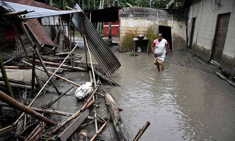 Heavy rain leaves scores dead in Nepal, India, Bangladesh
