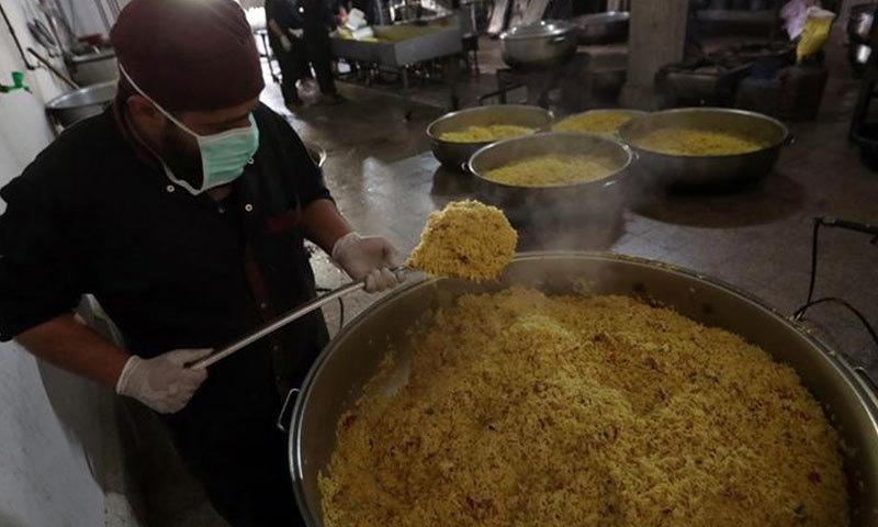 ماہرین کے مطابق دنیا میں اس وقت بھوک سے زیادہ صحت مند غذا کی کمی کا مسئلہ ہے—فائل/فوٹو:رائٹرز