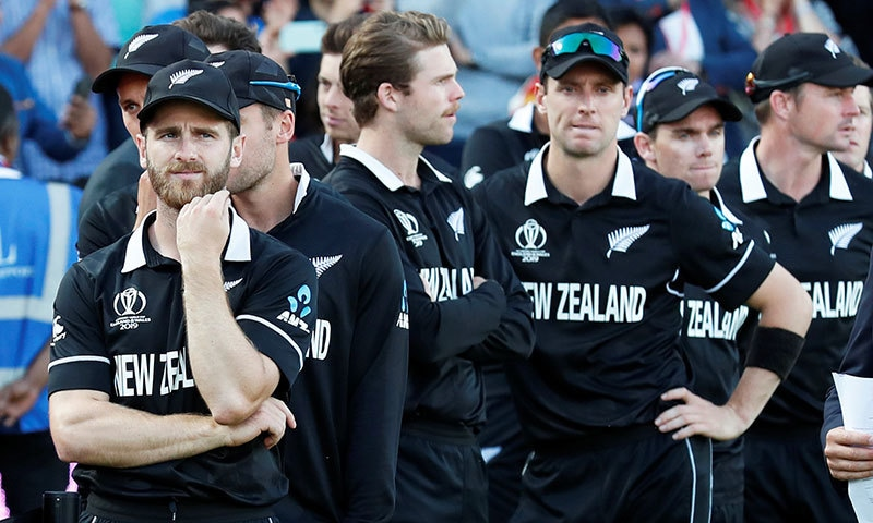 نیوزی لینڈ کی ٹیم میچ نہ ہارنے کے باوجود بھی چیمپییئن نہ بن سکی— فوٹو: رائٹرز