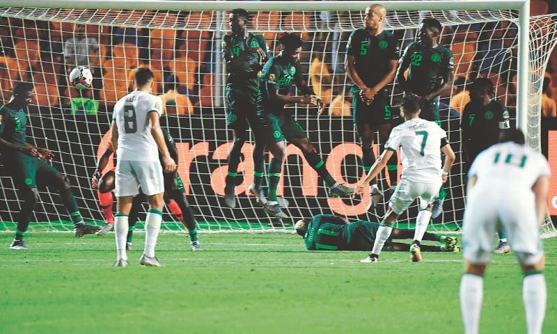 Resultado de imagen para Senegal and Algeria push Through to African Cup Final 2019