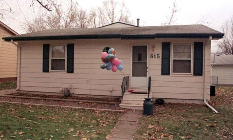 یہ نیا گھر بچوں کی پیدائش کے بعد ملا — رائٹرز فوٹو