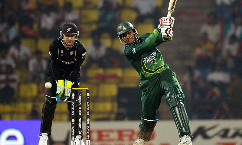 عبدالرزاق نے 46 ٹیسٹ، 265 ون ڈے اور 32 ٹی20 میچوں میں پاکستان کی نمائندگی کی— فائل فوٹو: اے ایف پی