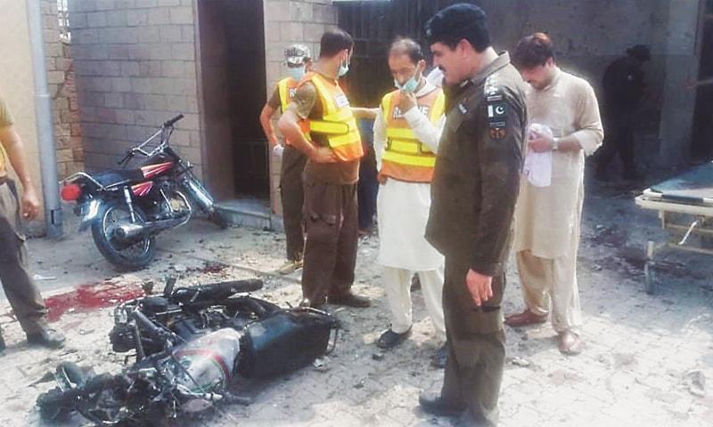 Four cops among eight killed in D.I. Khan gun, bomb attacks