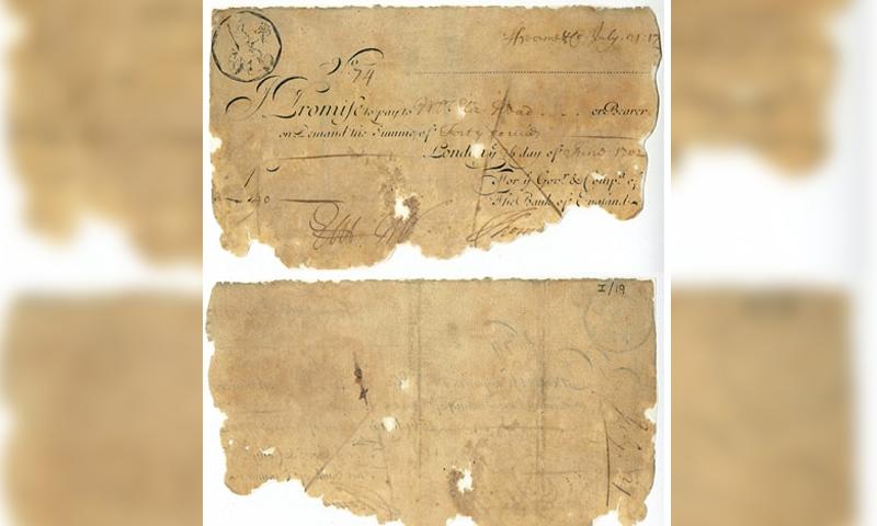یہ نوٹ 40 پاؤنڈ کا ہے جسے 1702 میں جاری کیا گیا۔ — فوٹو: اے ایف پی