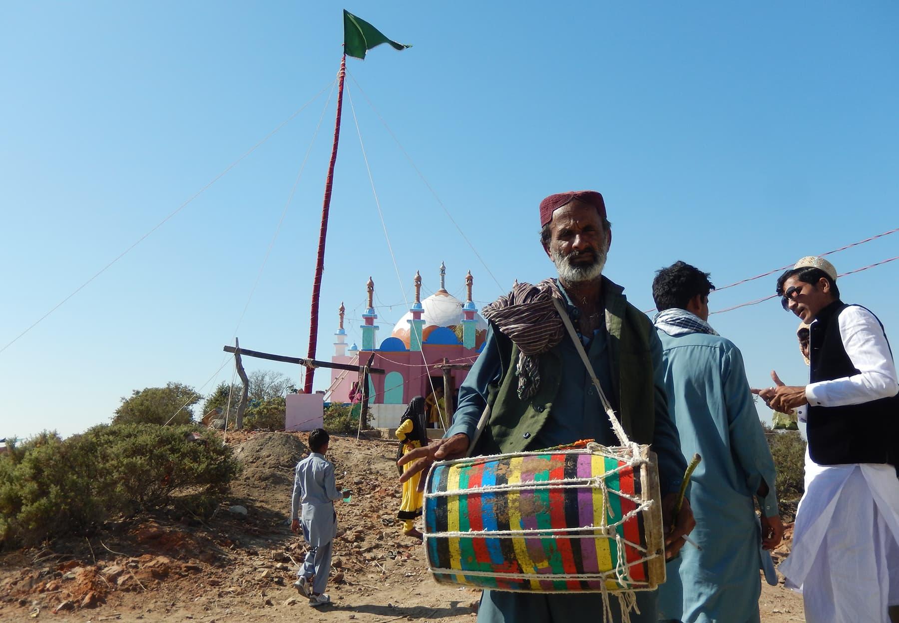 سومرا دور کی درگاہ، جس پر کچھ برس قبل لگنے والا میلہ—تصویر ابوبکر شیخ