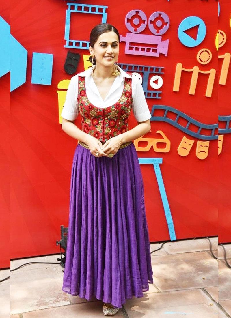 اداکارہ روایتی لباس میں فیسٹیول میں شریک ہوئیں—فوٹو: جگرن فیسٹیول