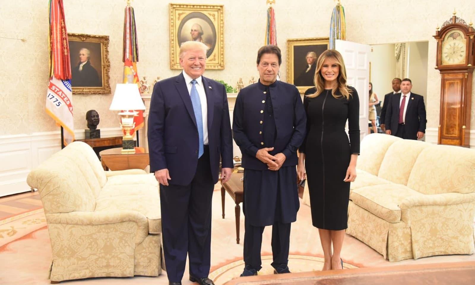 وزیراعظم عمران خان نے ڈونلڈ ٹرمپ کی اہلیہ سےبھی ملاقات کی— فوٹو: بشکریہ ٹوئٹر