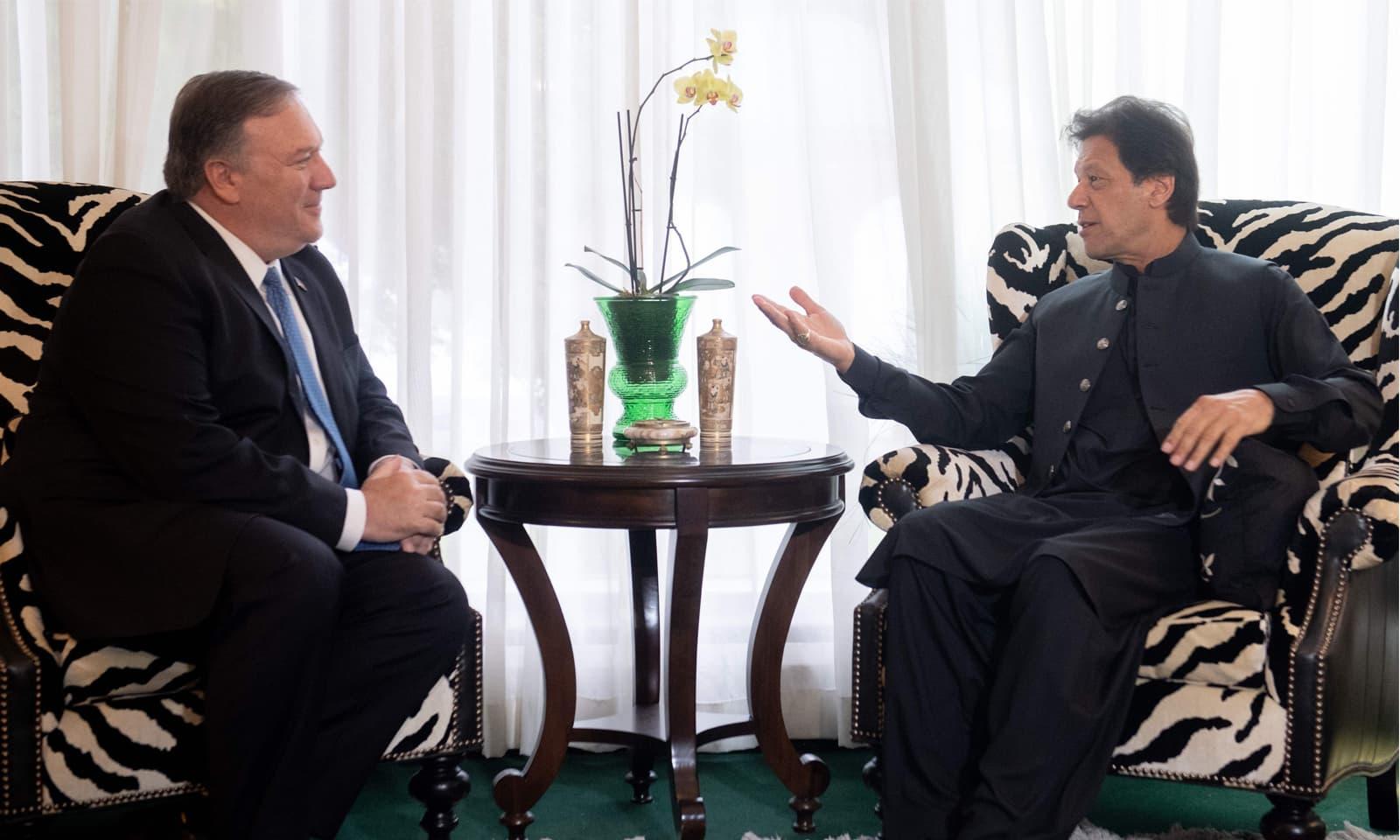 عمران خان نے امریکی وزیر خارجہ مائیک پومپیو سے بھی ملاقات کی — فوٹو: اے ایف پی