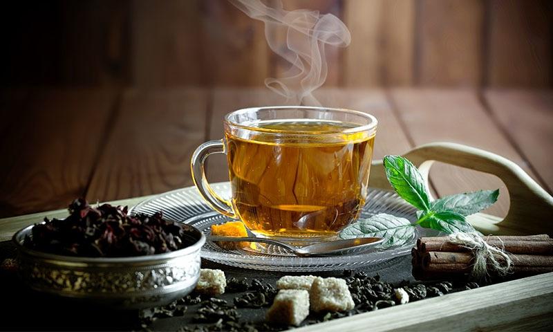 چائے کی درآمد مقدار کے اعتبار سے 23 فیصد بڑھ کر 2 لاکھ 23 ہزار 54 ٹن تک پہنچ چکی ہے—تصویر: شٹر اسٹاک