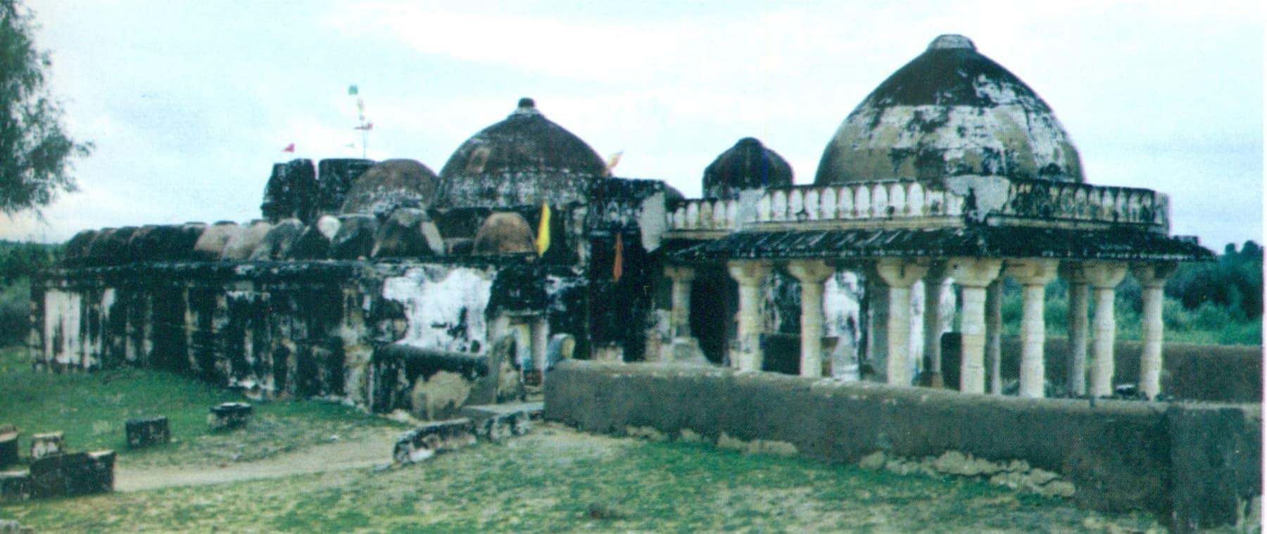 گوڑی مندر کی کچھ سال پرانی تصویر—تصویر بدر ابڑو
