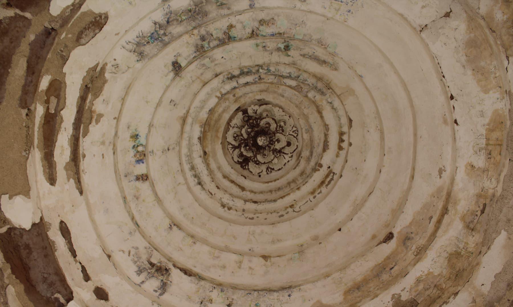 ویرا واہ کے گنبد کا اندرونی منظر—تصویر اختر حفیظ
