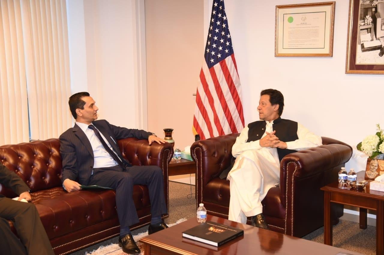 Tahir Javed, a Texas-based Pakistani businessman and high ranking member of the democratic party, called on Prime Minister Imran Khan at Embassy of Pakistan in Washington DC. — PTI Official