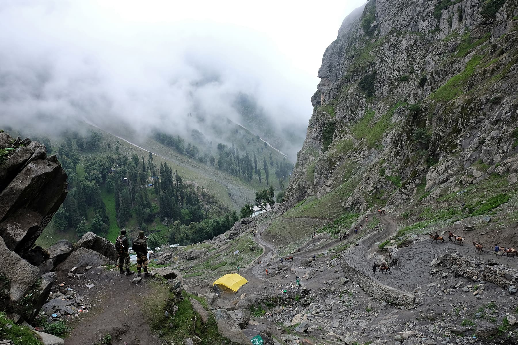 Landslides stop Amarnath yatra as J&K witnesses heavy rain