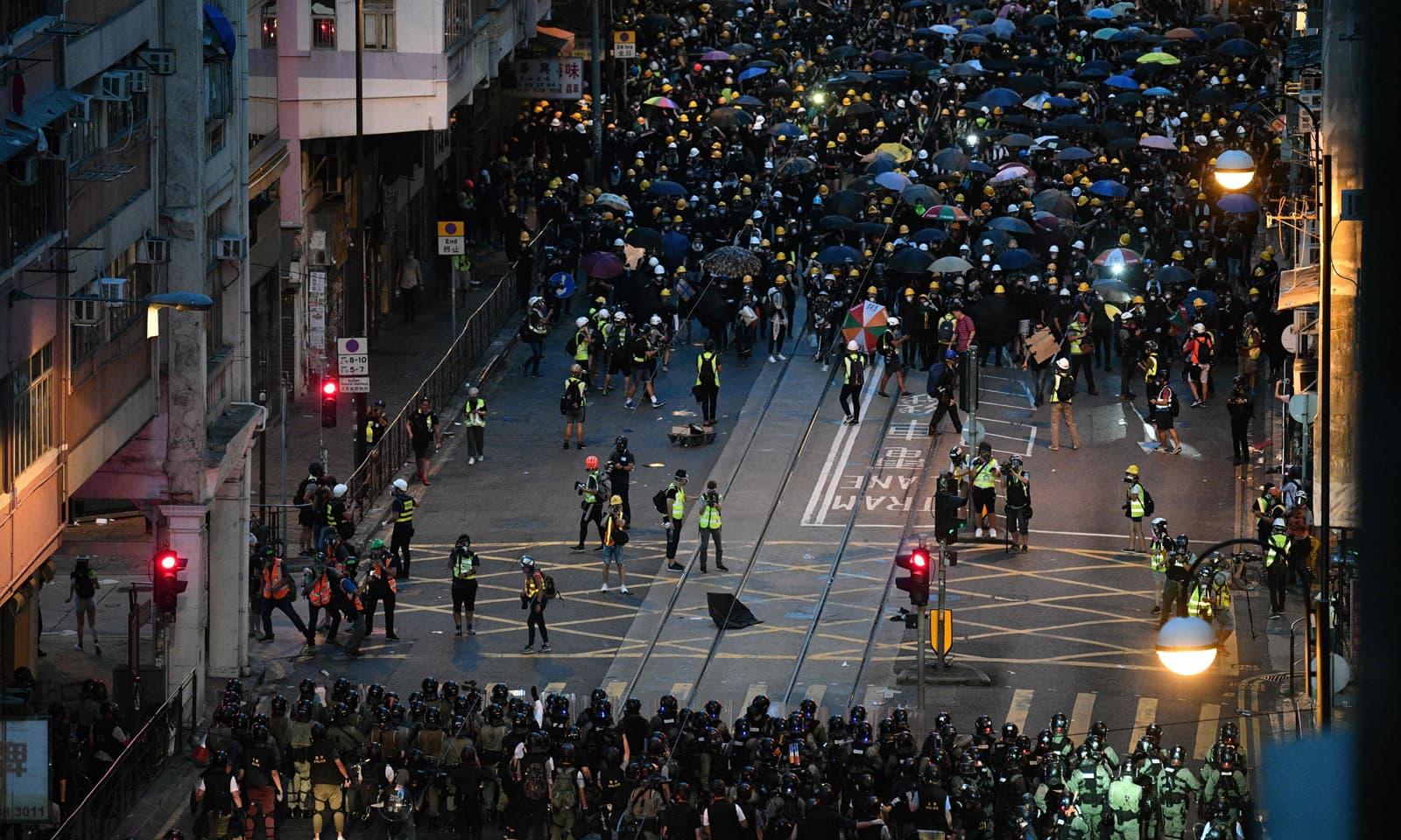 چین نے ہانگ کانگ میں ہنگامہ آرائی اور مظاہروں کا ذمہ دار امریکا کو قرار دیا ہے—فوٹو: اے ایف پی